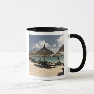 マリシャス、Poste de Flacq。 のビーチ場面 マグカップ