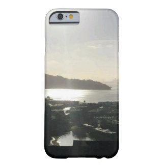 マリン BARELY THERE iPhone 6 ケース