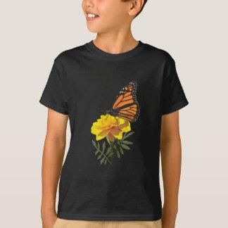 マリーゴールドの子供のマダラチョウ Tシャツ