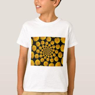 マリーゴールドの花 Tシャツ