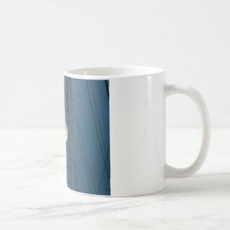 マリーナ上の満月 コーヒーマグカップ