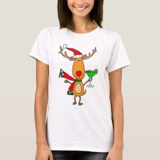 マルガリータのクリスマスの芸術を飲んでいるおもしろいなトナカイ Tシャツ