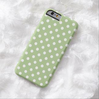 マルガリータの緑の水玉模様のiPhone6ケース Barely There iPhone 6 ケース