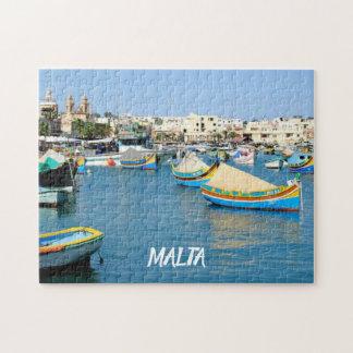 マルタの景色の眺めの伝統的なボート ジグソーパズル