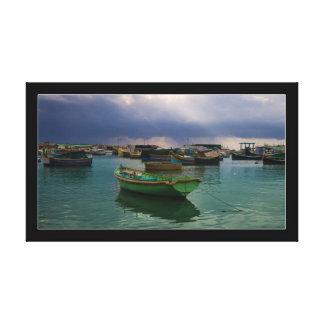 マルタの漁村Marsaxlokkのボート キャンバスプリント