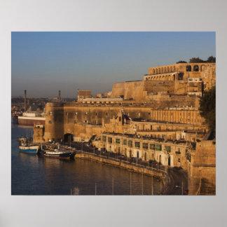 マルタ、バレッタ、より低いBarrakkaからの港の眺め ポスター