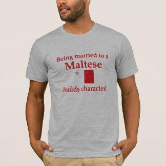 マルチーズはキャラクターを造ります Tシャツ