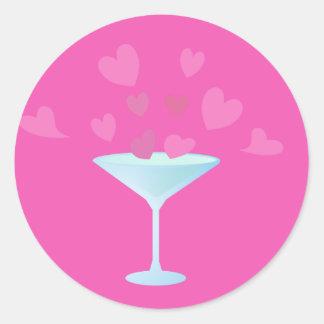 マルティーニガラスおよびピンクのハート ラウンドシール