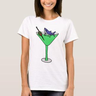 マルティーニ緑のガラスのおもしろいな鮫 Tシャツ