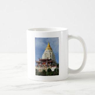 マレーシアピナンの島のKek Lok Siの寺院 コーヒーマグカップ