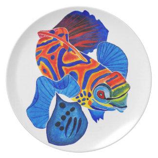 マンダリンの魚の夕食か装飾的なプレート プレート