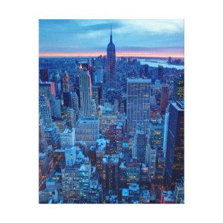 マンハッタンの超高層ビルはついています キャンバスプリント