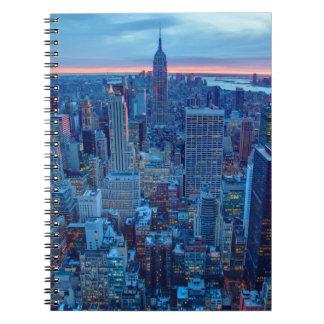 マンハッタンの超高層ビルはついています ノートブック