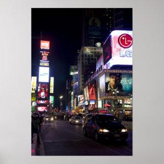 マンハッタン、ニューヨークの夜のタイムズ・スクエア ポスター