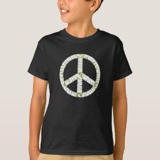 ミイラのピースサインは暗いTシャツをからかいます Tシャツ