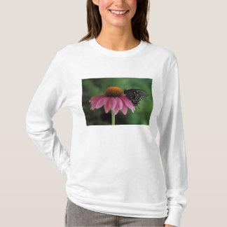 ミシガン州、ロチェスター。 Spicebushのアゲハチョウ Tシャツ