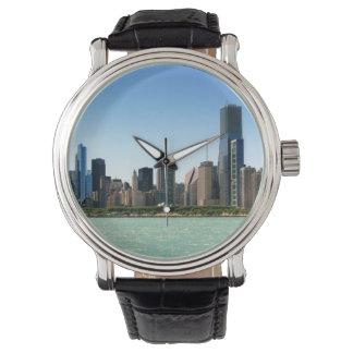 ミシガン湖著シカゴのスカイラインの眺め 腕時計