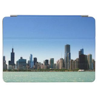 ミシガン湖著シカゴのスカイラインの眺め iPad AIR カバー