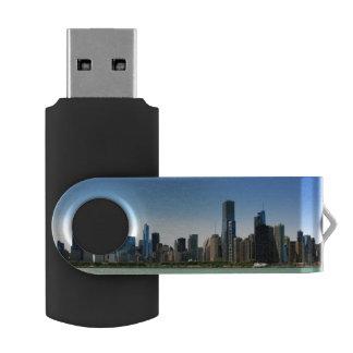 ミシガン湖著シカゴのスカイラインの眺め USBフラッシュドライブ