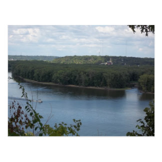 ミシシッピー川の東のDubuque ポストカード