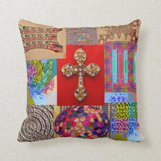 ミニチュア芸術コレクションとの飾られた十字 クッション