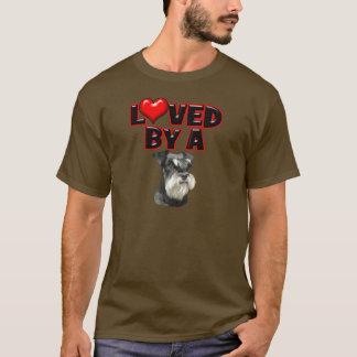 ミニチュア・シュナウツァーによって愛される Tシャツ