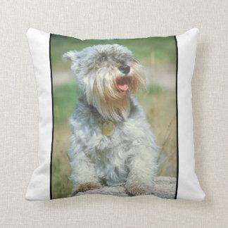 ミニチュア・シュナウツァー犬の枕 クッション