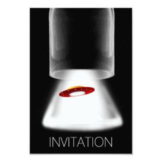 ミニマリズムのフェスティバルUFOのエイリアンVipの招待状 カード