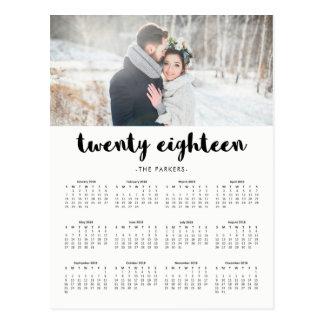 ミニマルでモダンなタイポグラフィの2018年の写真のカレンダー ポストカード