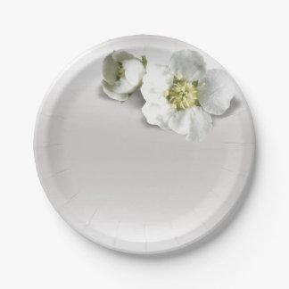 ミニマルな銀製灰色の真珠のようで白いジャスミンの花柄 ペーパープレート