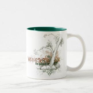 ミネソタの緑の木のマグ ツートーンマグカップ