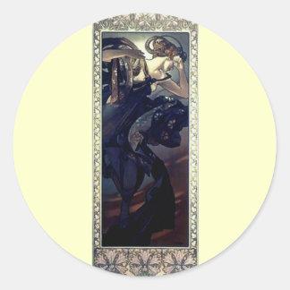 ミュシャのアール・デコ夜星の黒の服の女性 丸形シール・ステッカー