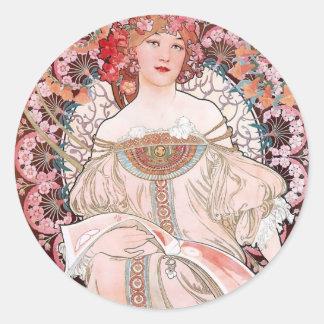 ミュシャのChampenoisパリのピンクの服の女性アール・デコ 丸形シール・ステッカー