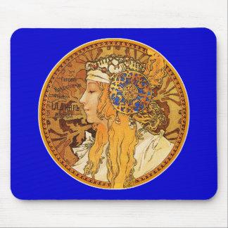 ミュシャ-宝石を持つ女性-ヴィンテージの芸術 マウスパッド