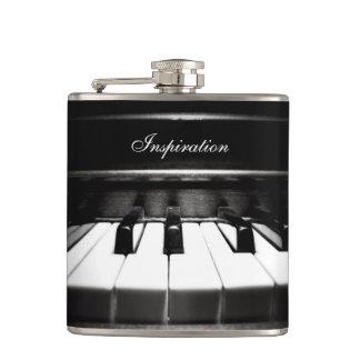 ミュージシャンのインスピレーションのピアノ名前入りなフラスコ フラスク