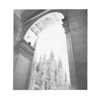 ミラノイタリア、大教会堂のガレリアの眺め ノートパッド