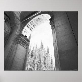 ミラノイタリア、大教会堂のガレリアの眺め ポスター