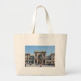 ミラノ、イタリアの広場の大教会堂の正方形 ラージトートバッグ