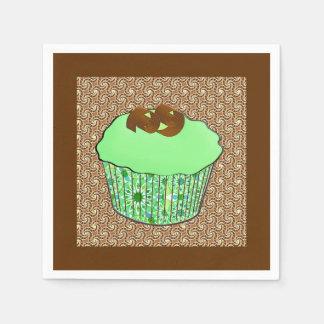 ミントによって曇らされるチョコレートカップケーキ、フラクタルの背景 スタンダードカクテルナプキン