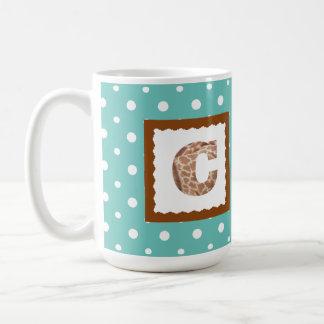 """ミントまたは白い水玉模様のキリンのプリントの手紙""""C"""" コーヒーマグカップ"""