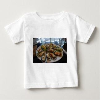 ムラサキ貝 ベビーTシャツ