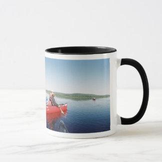 メインのAllagashの川のカヌー旅行 マグカップ
