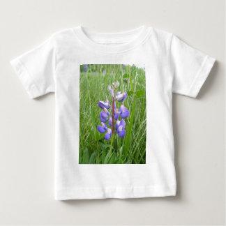 メインのLupines分野ストックホルムの私 ベビーTシャツ