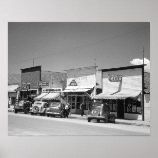 メイン・ストリートの店1941年。 ヴィンテージの写真 ポスター
