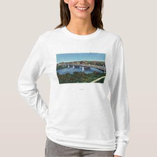 メイン・ストリート橋の眺め Tシャツ