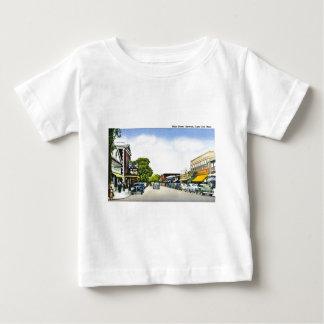 メイン・ストリート、Hyannisのケープコッド、マサチューセッツ ベビーTシャツ