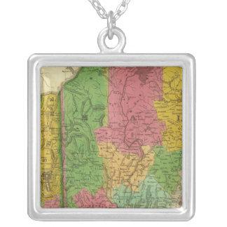 メイン、ニューハンプシャーおよびヴァーモントの地図 シルバープレートネックレス