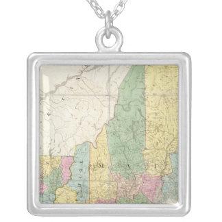 メイン、ニューハンプシャー、ヴァーモントの地図 シルバープレートネックレス