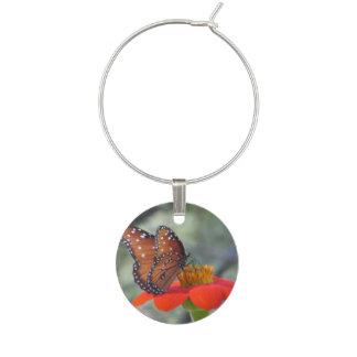 メキシコヒマワリの女王の蝶 ワインチャーム