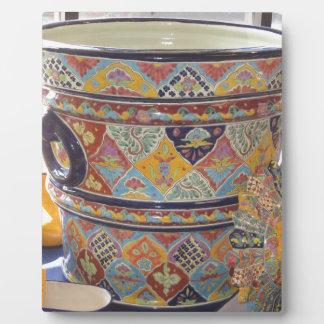 メキシコ人のタラベラのスタイル陶器 フォトプラーク